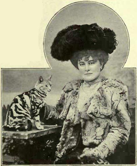 "MRS. COLLINGWOOD AND ""JAMES II"". (Photo: Alice Hughes, Cower Street.)"