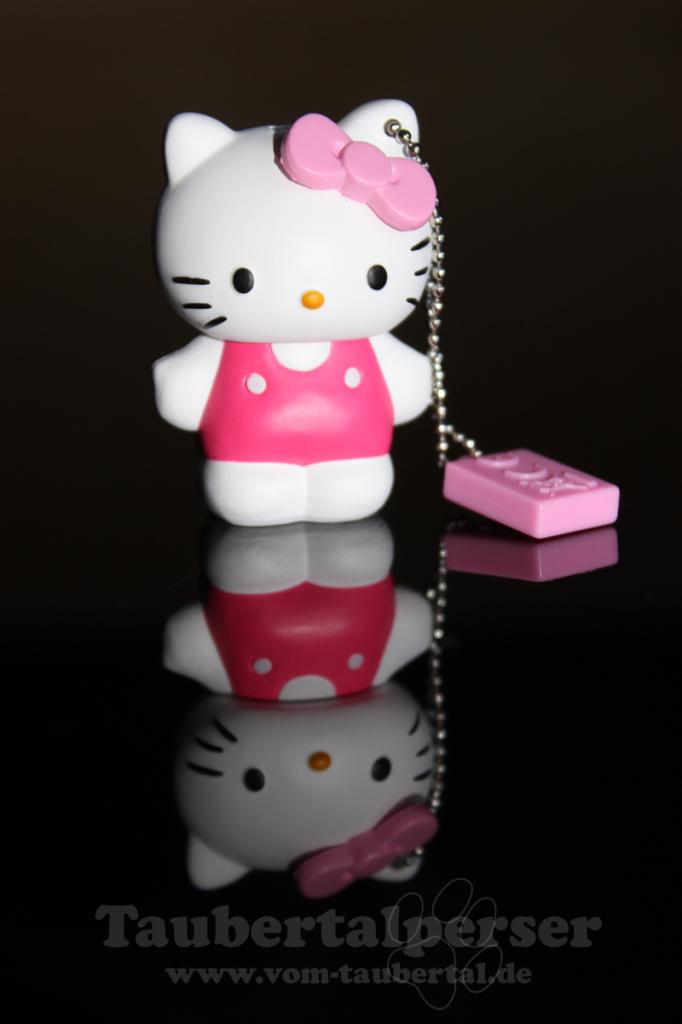 000_Hello-Kitty
