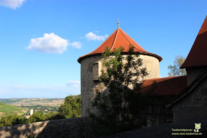 Burg Neuhaus Blick nach Markelsheim